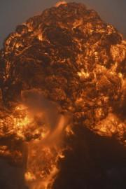Malgré la violence de l'incendie, les autorités n'ont... (PHOTO STEVE KEENAN, REUTERS) - image 2.0
