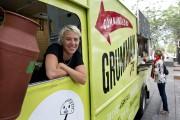 Gaëlle Cerfs, camion et restaurant Grumman '78. ... (Photo La Presse canadienne) - image 4.0