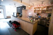 Village Café offre une belle déco, un espace... (PHOTO FRANCOIS ROY, LA PRESSE) - image 4.0