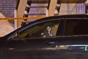 La victime gisait près de cette voiture noire... (PHOTO FÉLIX O.J. FOURNIER, COLLABORATION SPECIALE) - image 1.0