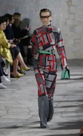 Dior a fait défiler une femme sauvage et sexy en... (Photo Michel Euler, AP) - image 2.0