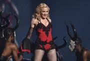 Madonna en spectacle aux Grammy Awards en février... (Photo: archives AP) - image 1.1