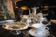 Porcelaine de Limoges, argenterie fine, table de marbre:... (Photo Olivier Pontbriand, La Presse) - image 1.0