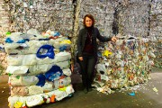 Julie Gagné, copropriétaire de l'entreprise familiale Sani-Éco, à... (PHOTO ALAIN DION, LA VOIX DE L'EST) - image 2.0