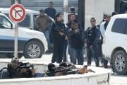 Dix-sept touristes étrangers, dont deux... (Photo Zoubeir Souissi, Reuters) - image 2.0