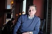 Avec ses amis, il rigole et parle beaucoup,... (Photo: Émilie O'Connor, Le Nouvelliste) - image 2.0