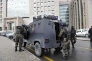 Des membres des forces spéciales turques se préparant... (PHOTO AFP / STR) - image 1.1