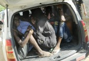 Des étudiants quittent l'Université de Garissa à  bord... (PHOTO AP) - image 1.0