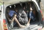 Des étudiants quittent l'Université de Garissa à bord... (PHOTO AP) - image 1.0