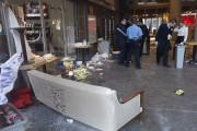 Le rez-de-chaussée du pavillon J.-A.DeSève a été endommagé... (PHOTO PATRICK SANFAÇON, LA PRESSE) - image 2.0