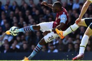 Christian Benteke... (PHOTO BEN STANSALL, AFP) - image 2.0