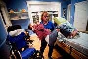 Diane Chênevert soulève encore son garçon à bout... (Photo Patrick Sanfaçon, La Presse) - image 3.0