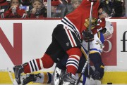 Jonathan Toews et les Blackhawks de Chicago sont... (Archives AP) - image 3.0