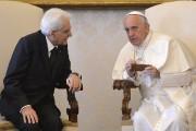 Le président italienSergio Mattarella et le pape... (Archives, Associated Press) - image 7.0