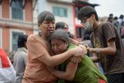 Le bilan du séisme de magnitude 7,8 qui a dévasté... (PHOTO PRAKASH MATHEMA, AFP) - image 4.0
