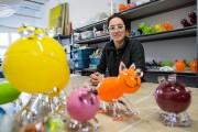 Catherine Labonté travaille le verre. Elle crée de... (PHOTO EDOUARD PLANTE-FRéCHETTE, LA PRESSE) - image 2.0