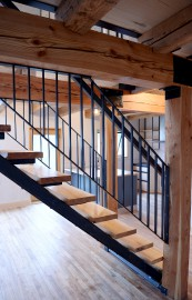 Le plancher du rez-de-chaussée est d'origine. L'escalier a... (Le Soleil, Erick Labbé) - image 2.1