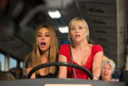 Dans Hot Pursuit, les personnages de Sofia Vergara... (PHOTO FOURNIE PAR WARNER BROS.) - image 1.0