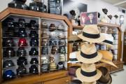 Des chapeaux de chez Henri Henri... (PHOTO EDOUARD PLANTE-FRÉCHETTE, LA PRESSE) - image 6.0