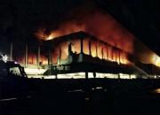 Un vaste incendie s'est déclenché dans la nuit... (Photo Domenico Palesse/ANSA, AP) - image 1.0