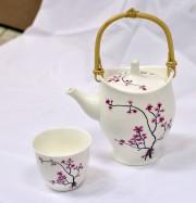 Ensemble théière et quatre gobelets à fleurs roses,... (Le Soleil, Yan Doublet) - image 3.0