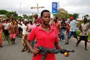 Les protestataires dispersés, en majorité des femmes, continuaient... (PHOTO LANDRY NSHIMIYE, AFP) - image 5.0
