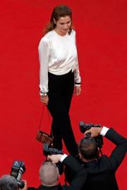Emmanuelle Devos sur le tapis rouge du Palais... (Photo Benoît Tessier, Reuters) - image 1.0