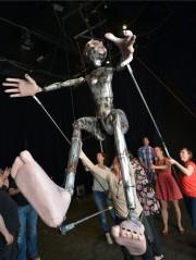 La marrionnette géante de Pierre Robitaille... (Le Soleil, Yan Doublet) - image 5.0