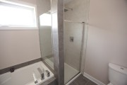 Dans la salle de bain, à l'étage, la... (Photo Martin Chamberland, La Presse) - image 1.1