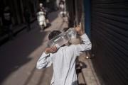 La chaleur sévit depuis plusieurs jours en Inde,... (PHOTO TSERING TOPGYAL, AP) - image 1.0