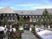 Ancien caravansérail, l'auberge de Manouc abrite aujourd'hui des... (PHOTO JEAN-CHRISTOPHE LAURENCE, LA PRESSE) - image 2.0
