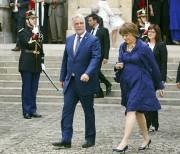 Le premier ministre Philippe Couillard et la ministre... (Photo Remy de la Mauviniere, AP) - image 1.0