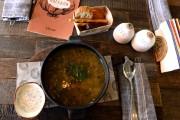 Cornichons au gingembre, soupe aux choux et cèpes,... (PHOTO VASILY MAXIMOV, AFP) - image 1.0