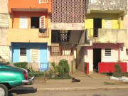 Un des nombreux immeubles à logements de style... (Photo collaboration spéciale Mylène Moisan) - image 2.1