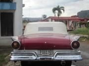 Une vieille américaine et le Che, loin derrière...... (Photo collaboration spéciale Mylène Moisan) - image 3.0