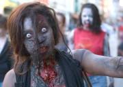 Une cinquantaine de zombies et de morts-vivants ont... (Le Soleil, Yan Doublet) - image 1.1