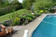 Une plate-bande composée de vivaces à faible entretien... (www.jardinierparesseux.com) - image 1.0