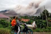 Environ 7500 habitants ont quitté leur domicile «en... (PHOTO RONY MUHARRMAN, ANTARA FOTO/REUTERS) - image 2.0