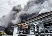 Le Sinabung est l'un des 129 volcans actifs... (PHOTO  SUTANTA ADITYA, AFP) - image 3.0