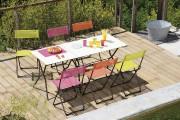 Très populaire en Europe, cette table pliante tubulaire... (Photo fournie par Le Balconier) - image 2.1