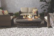 Table avec foyer au gaz intégré, élégant et... (Photo fournie par Canadian Tire) - image 4.0