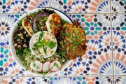 Le Café Bloom prépare une salade avec du... (Photo David Boily, La Presse) - image 4.0