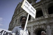 Un manifestant à Rome, samedi.... (Photo Andrew Medichini, AP) - image 2.0