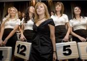 Julie Snyder lors d'un épisode du Banquier, en... (ARCHIVES LA PRESSE) - image 2.0