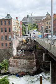 Les travaux de reconstruction de la rue Dufferin... (Imacom, Julien Chamberland) - image 3.0
