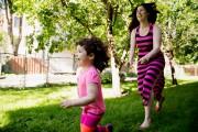 Annick Bourbonnais et sa filleLilianeâgée de 3 ans... (PHOTO ALAIN ROBERGE, LA PRESSE) - image 2.0