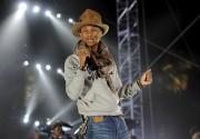 Pour son côté funky, l'artiste Pharrell Williams plaît... - image 2.0