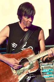 Le guitariste Tom Scholz du groupe Boston... (Photo tirée du site de Boston) - image 3.0