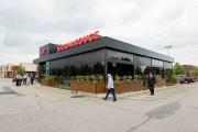 Le design de la façade du restaurant Bâton... (Photo tirée de la page Facebook du Bâton Rouge de Drummondville) - image 1.0
