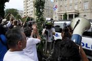 Des Cubains célèbrent l'ouverture de l'ambassade à Washington.... (Photo Jonathan Ernst, Reuters) - image 1.0